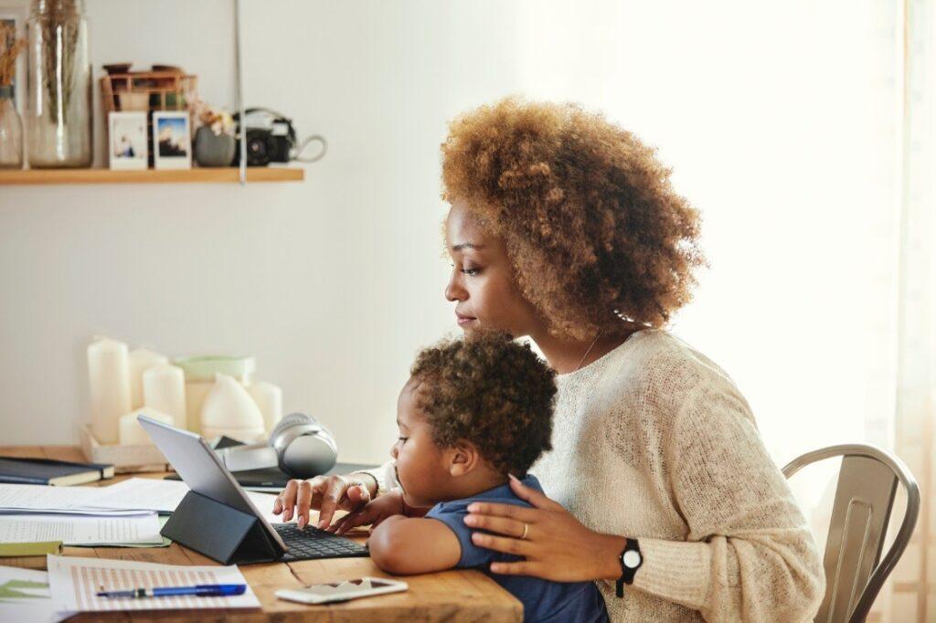 Maternidade, Carreira, apoio das empresas e diversidade